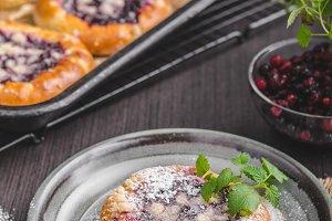 Rustic mini cake with berries and sugar crumble