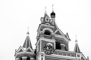 Horizontal orthodox church in Moscow backdrop