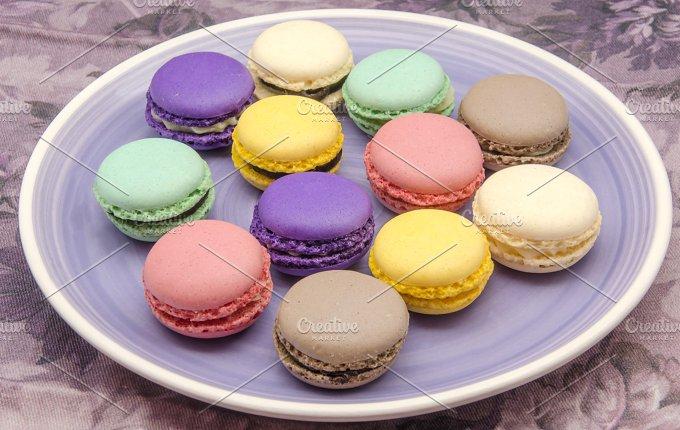 macarons (1).jpg - Food & Drink