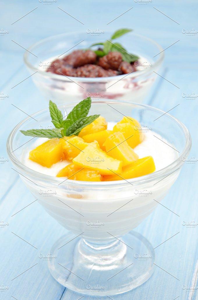 yogures con frutas (3).jpg - Food & Drink