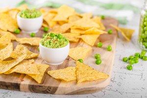 Tortilla chips peas dip