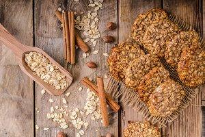 Oatmeal cookies with banana and cinnamon