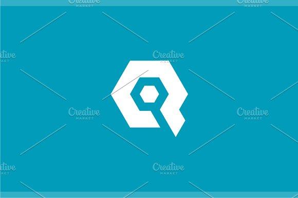 Letter Q Logo