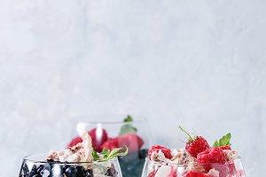 Summer dessert Eton Mess