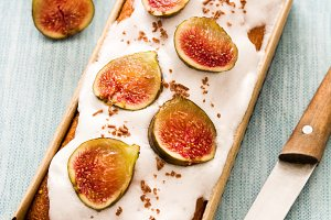 Delicious fig cake
