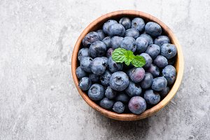 blueberry in a wooden bowl