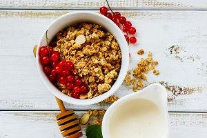 Oat granola in bowl