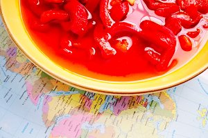 Red peppers salad and map