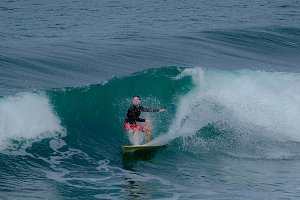SURFING IN SAN DIEGO CALIFORNIA