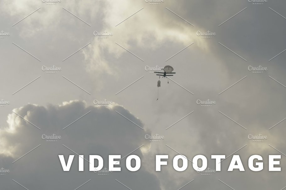 Paratroopers jumping from airplanes - slowmotion 60fps in Graphics - product preview 8