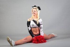 Cheerleader Doing The Splits