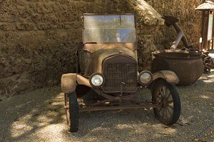 Rusty Ford T pickup
