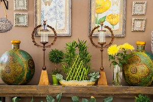 Decor yellow and green