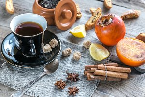 Fruit tea with spices and cookies