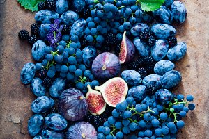 Fresh figs, grapes, prunes