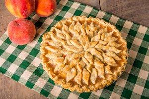 Decorative crust peach pie