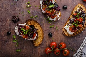 Toast with roasted vegetable