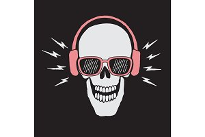 skull listen a music in headphones