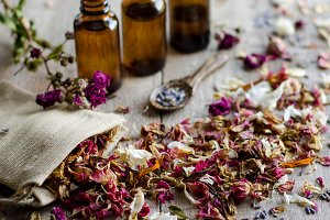 Essential Herbs 9