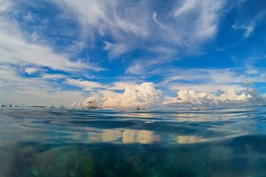 Sea landscape with cloudy sky.