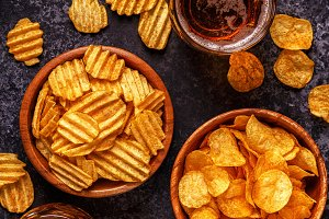 Beer and crispy potato chips