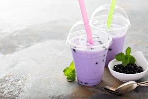 Berry bubble tea