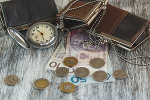 Polish zloty with little wallets and pocket clock