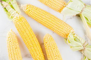 Raw fresh corn
