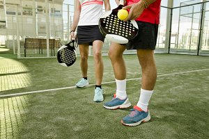 Paddle tennis players