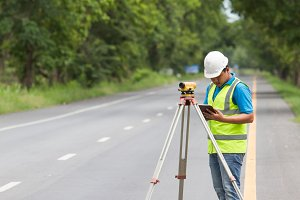 Surveyor engineer