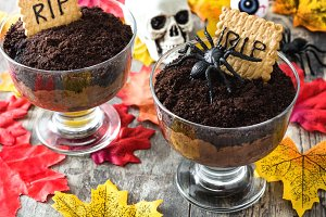 Funny Halloween chocolate mousse