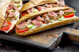 Sandwich with beef grilled