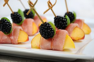 Canape of peach with jamon