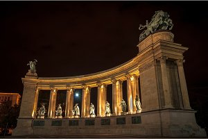 Heroes square in Hungary at night