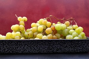 White grapes on tray