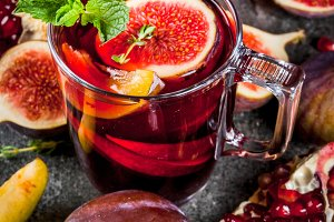 Fall and winter hot red sangria
