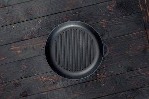 Vintage empty grill pan