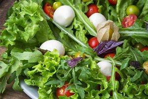 Spicy spring vegetable salad