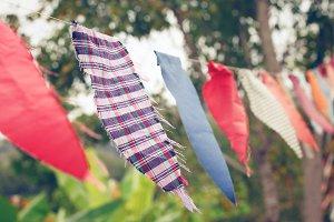 Plaid triangle cloth flags