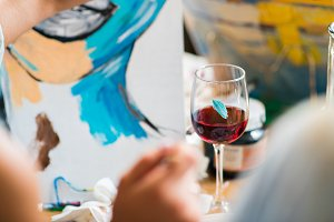 A glass of wine drawing pictures