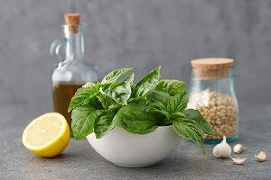 Basil pesto sauce ingredients