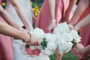 Bridesmaids & Bouquets