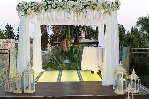 Jewish Hupa , wedding putdoor .