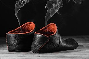 Empty slipper shoe smoke rise