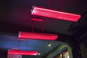 Red fluorescent lamp