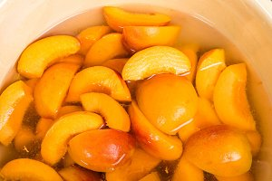 Sliced yellow peaches