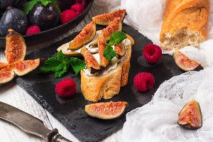 Bruschetta sandwich with soft goat cheese and figs