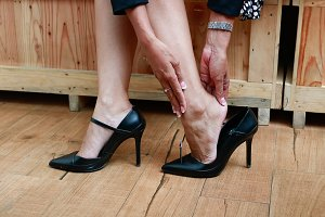 Woman hurt ankle