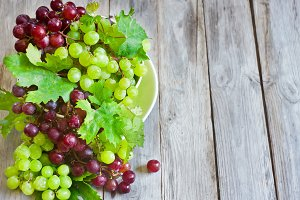 Green and red grape
