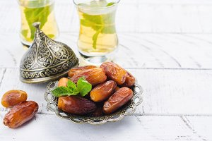 Dry dates and mint tea